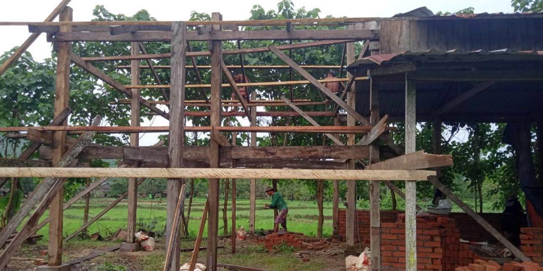 Schulhaus in Taung Thayet Kone im Bau